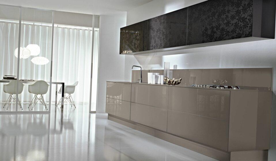 стекляная кухня